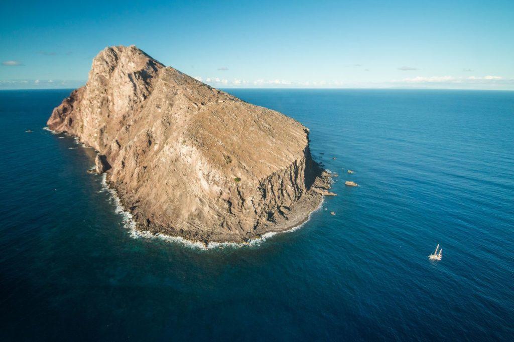 isola di redonda, microstato